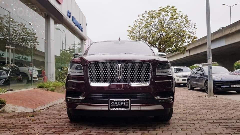 Cần bán Lincoln Navigator sx 2019, màu đỏ, xe nhập (1)