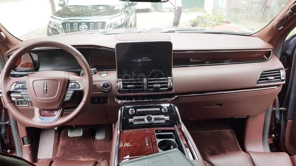 Cần bán Lincoln Navigator sx 2019, màu đỏ, xe nhập (7)