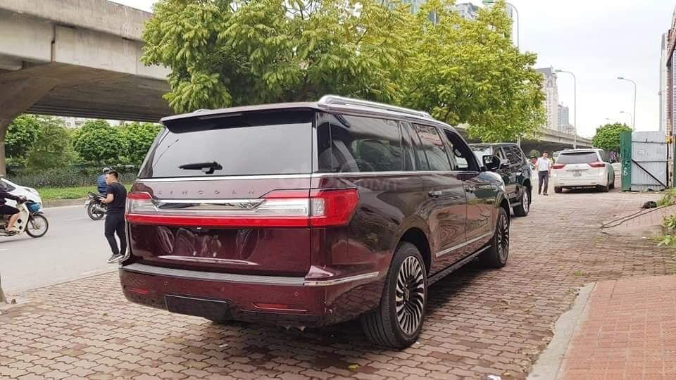 Cần bán Lincoln Navigator sx 2019, màu đỏ, xe nhập (14)