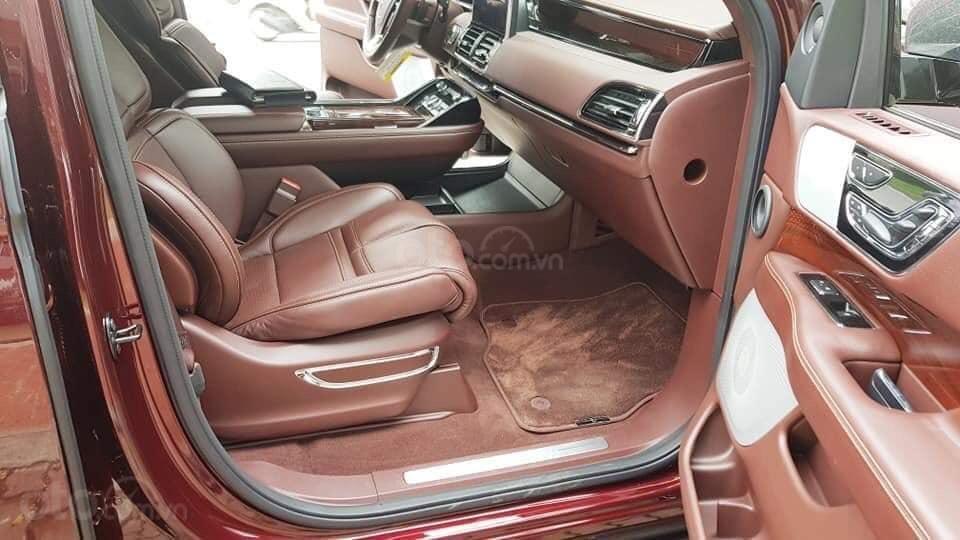 Cần bán Lincoln Navigator sx 2019, màu đỏ, xe nhập (9)