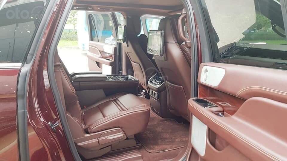 Cần bán Lincoln Navigator sx 2019, màu đỏ, xe nhập (10)