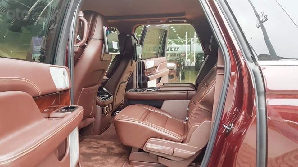 Cần bán Lincoln Navigator sx 2019, màu đỏ, xe nhập (11)