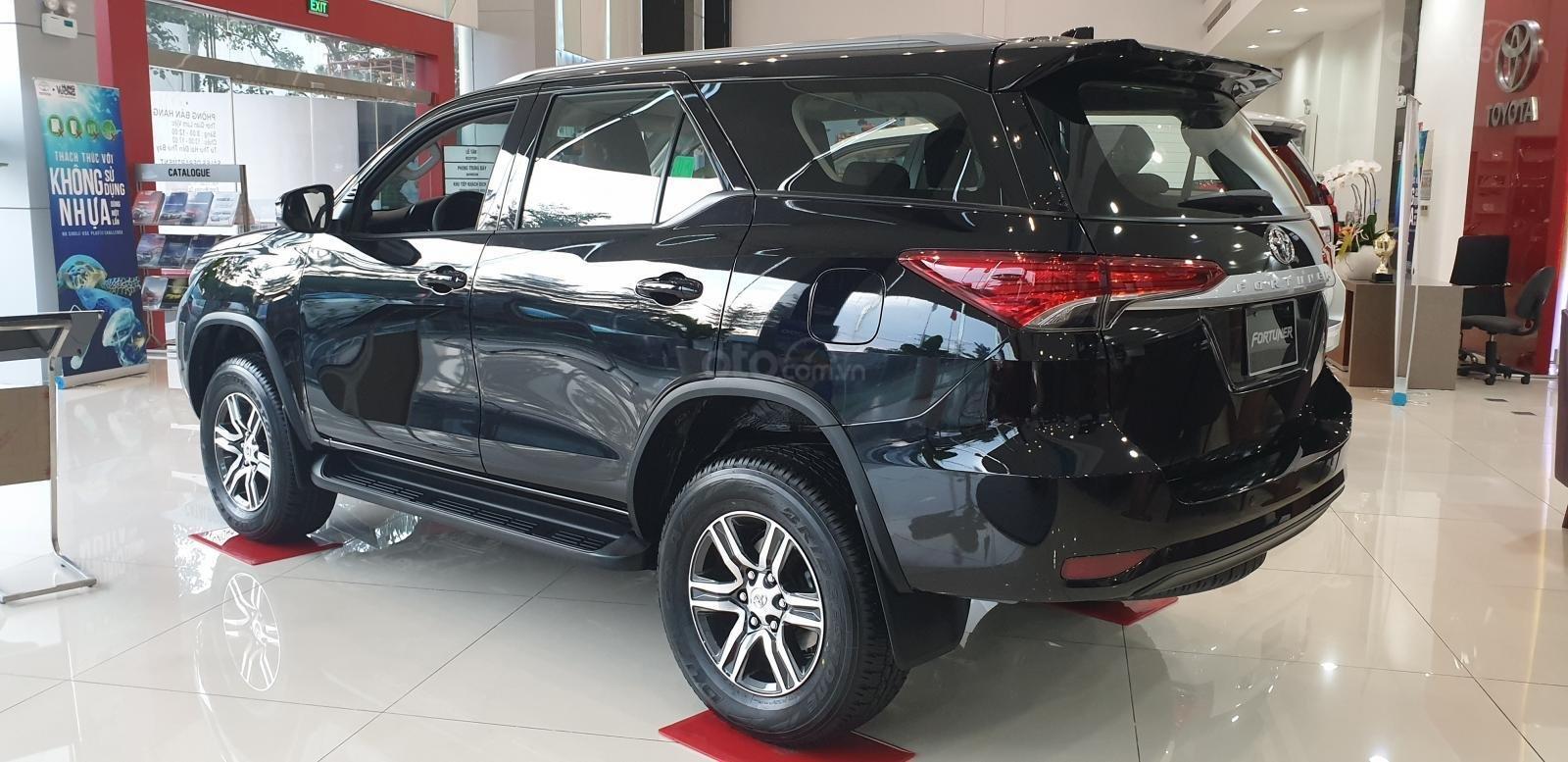Bán ô tô Toyota 4 Runner G 2019, màu đen (5)
