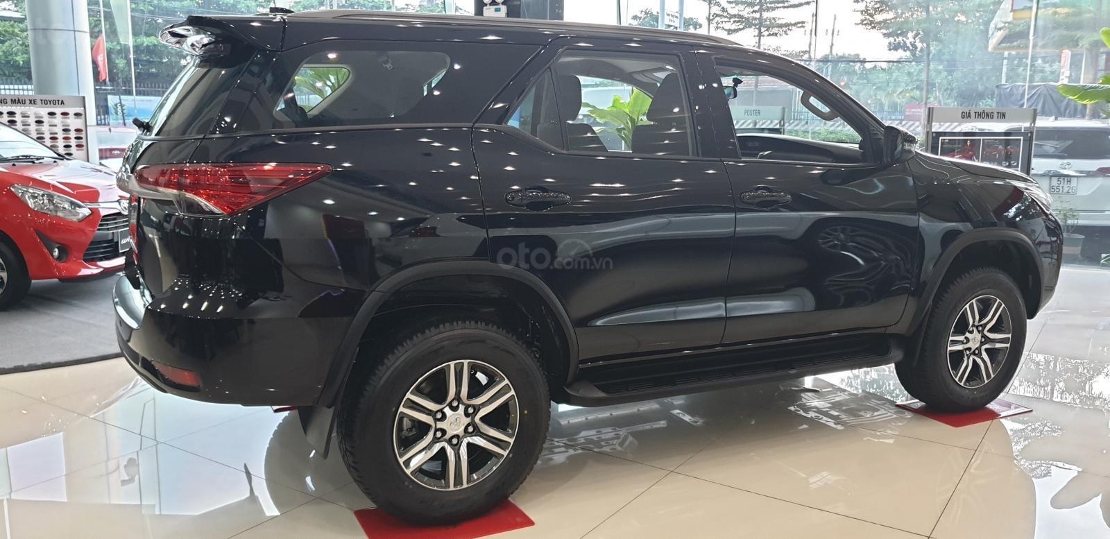 Bán ô tô Toyota 4 Runner G 2019, màu đen (6)