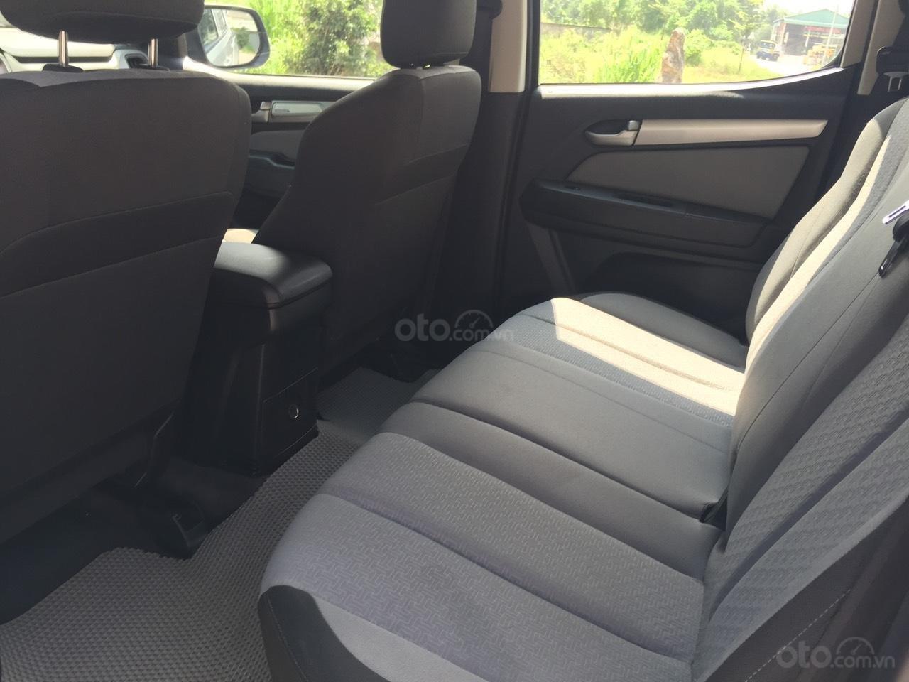 Xe bán tải Corolado 2016, 2 cầu, máy 2.5 - liên hệ: 0967829892 Anh Trung để biết thêm chi tiết (6)