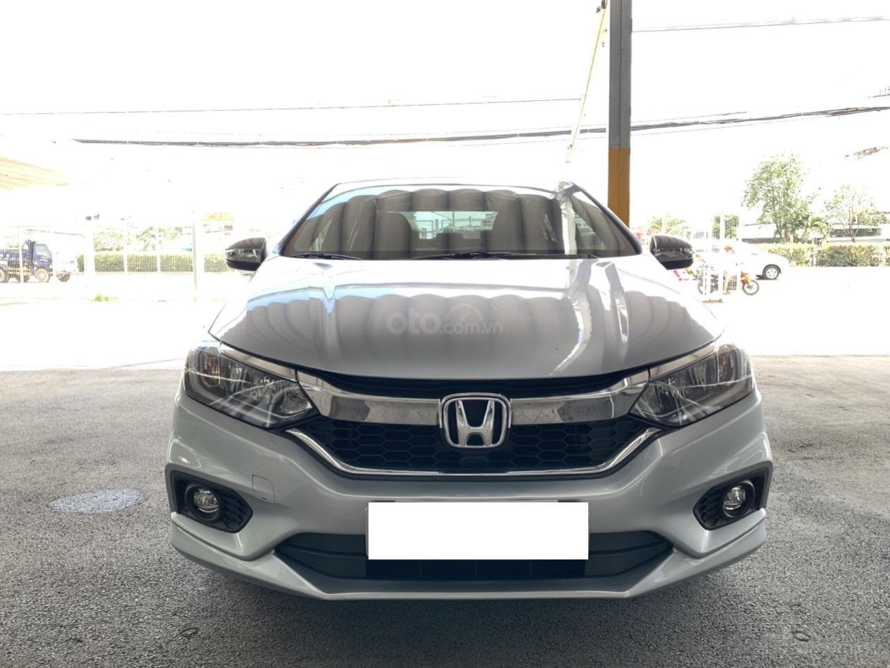 Hãng bán Honda City TOP 1.5AT, đời 2018, màu bạc, biển SG (1)