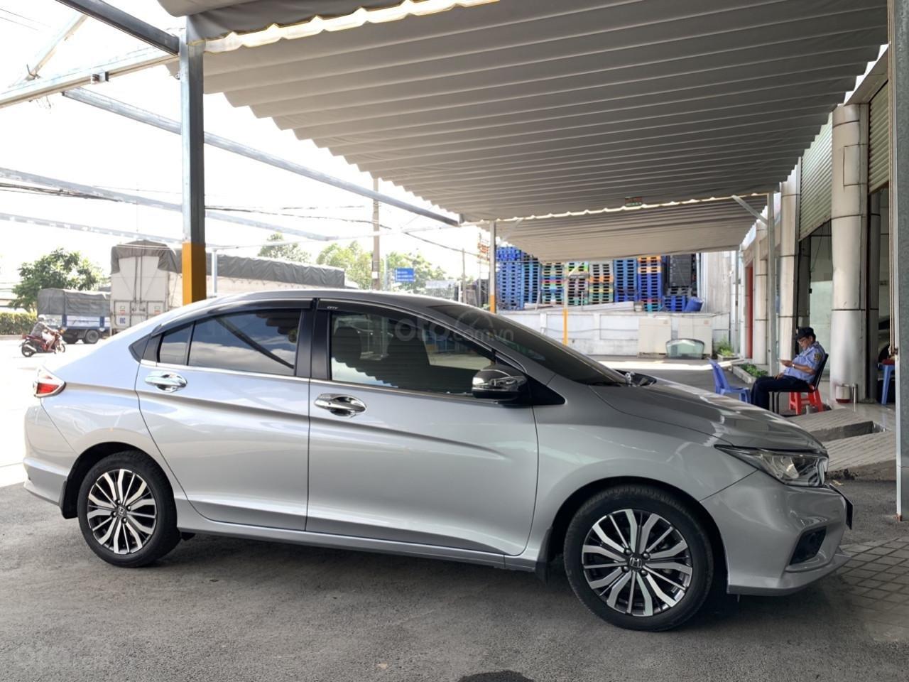 Hãng bán Honda City TOP 1.5AT, đời 2018, màu bạc, biển SG (4)