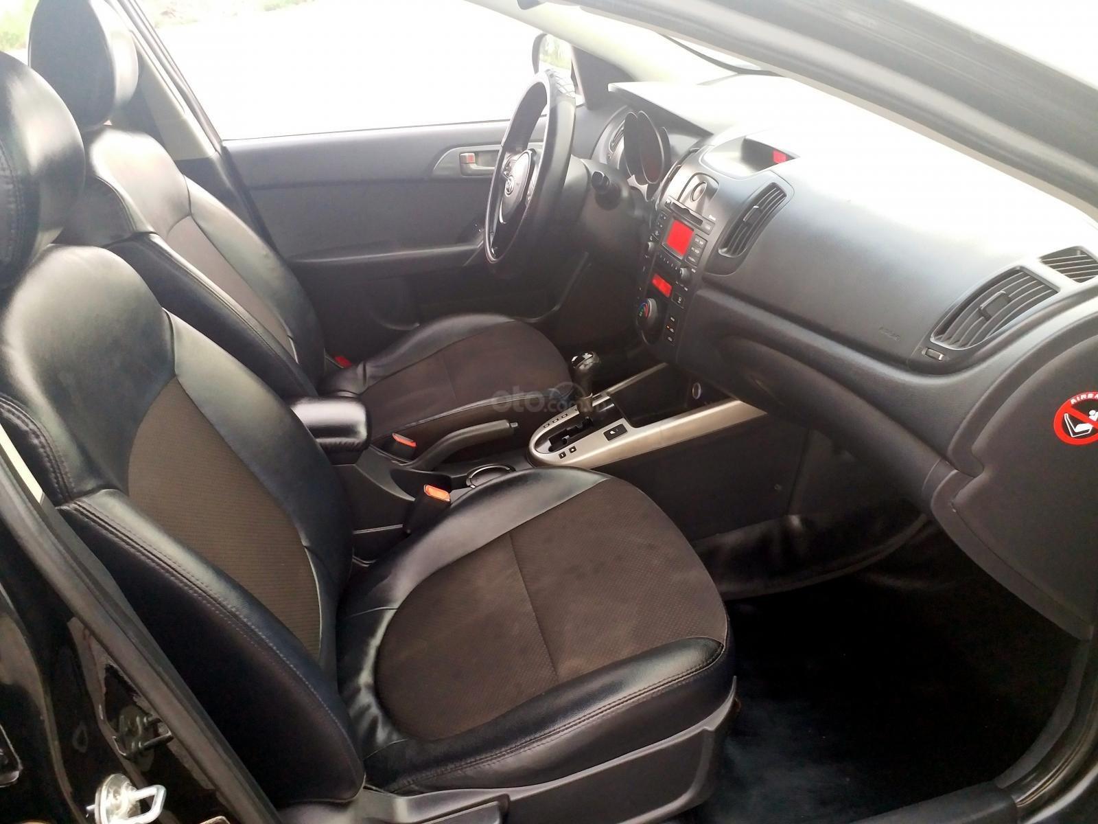 Cần bán Kia Forte sản xuất 2009, màu đen mới 95% giá tốt 320 triệu đồng (7)