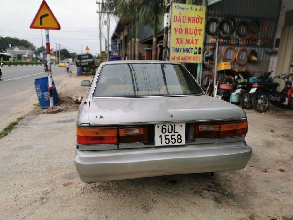 Cần bán xe Toyota Camry đời 1986, màu bạc, nhập khẩu, giá 45tr (3)