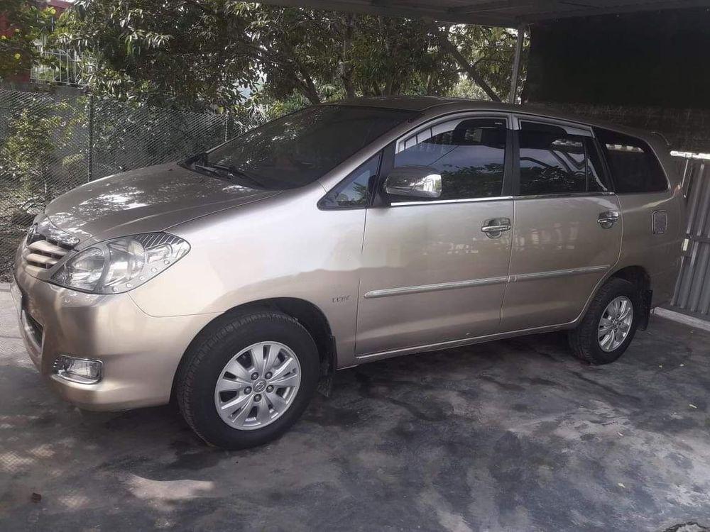 Bán Toyota Innova đời 2011 xe gia đình, giá tốt (4)