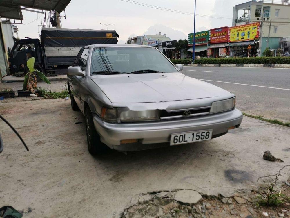 Cần bán xe Toyota Camry đời 1986, màu bạc, nhập khẩu, giá 45tr (1)