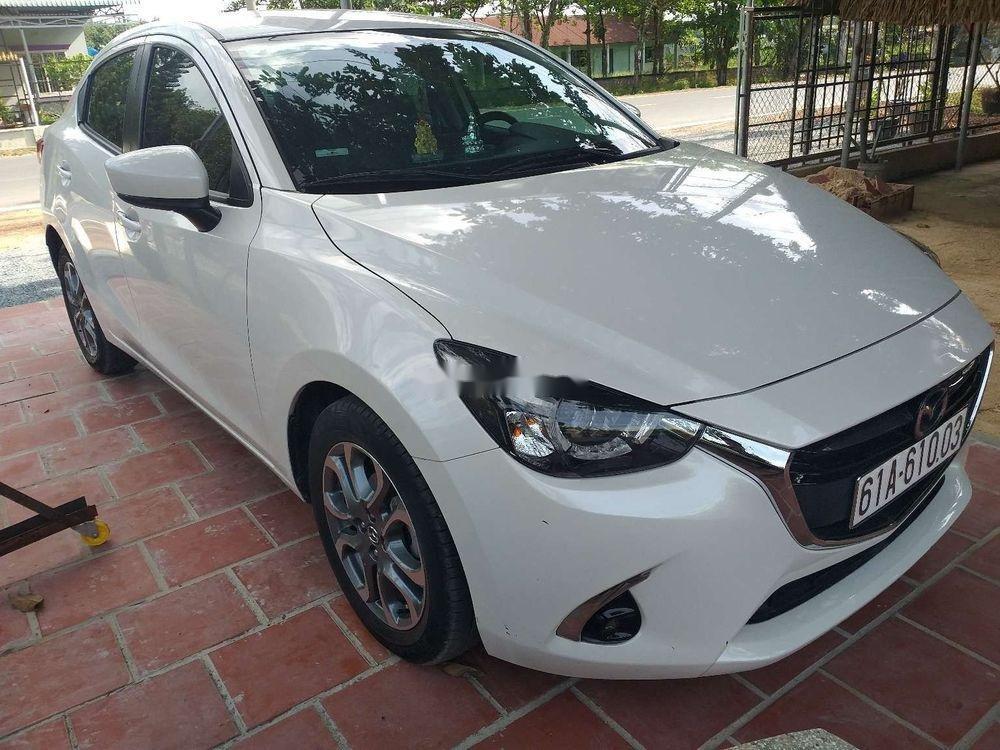 Cần bán lại xe Mazda 2 đời 2018, màu trắng, xe nhập chính hãng (2)
