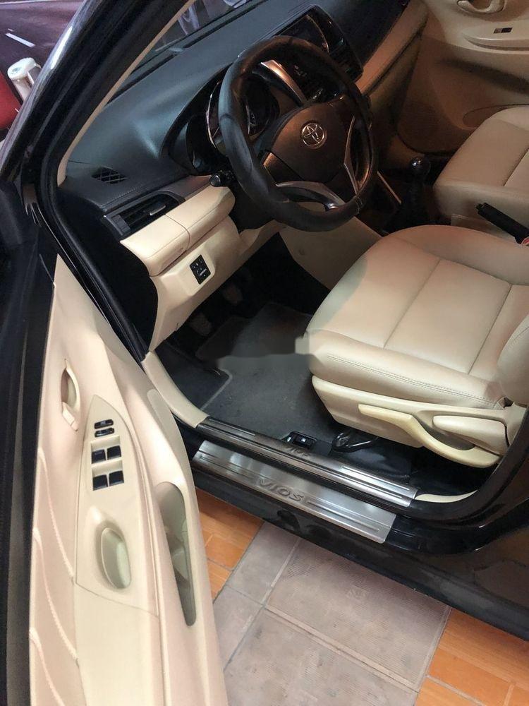 Bán Toyota Vios E năm sản xuất 2015, số sàn, giá tốt (6)