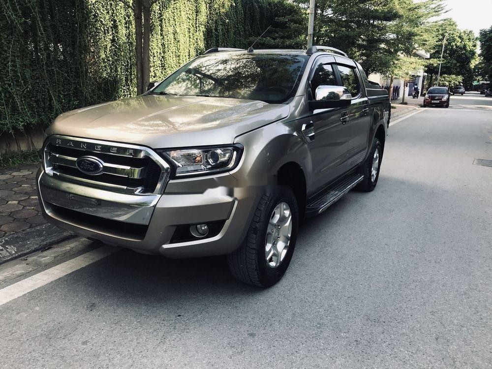 Cần bán Ford Ranger 2016, màu xám, nhập khẩu nguyên chiếc, số sàn (2)