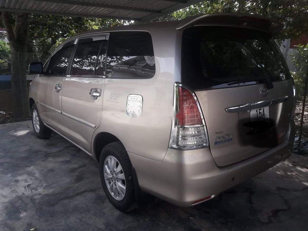Bán Toyota Innova đời 2011 xe gia đình, giá tốt (1)