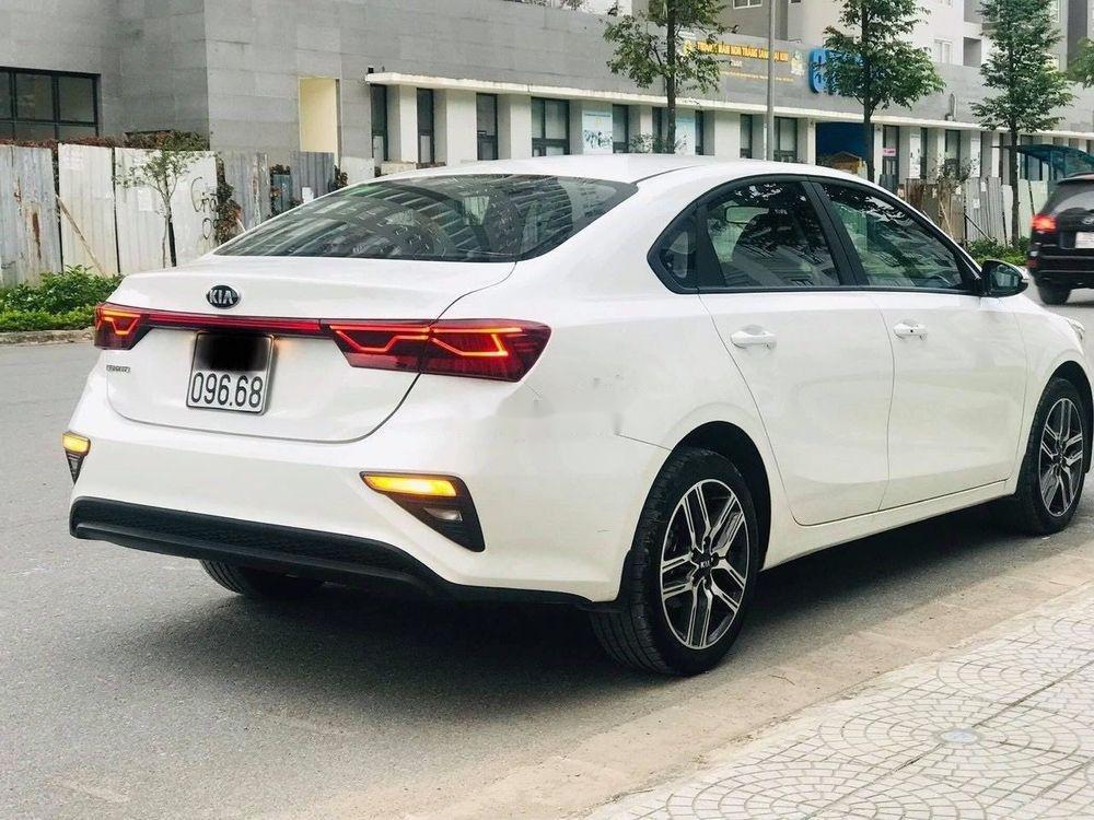 Cần bán gấp Kia Cerato 1.6MT đời 2019, màu trắng, giá 555Tr (4)