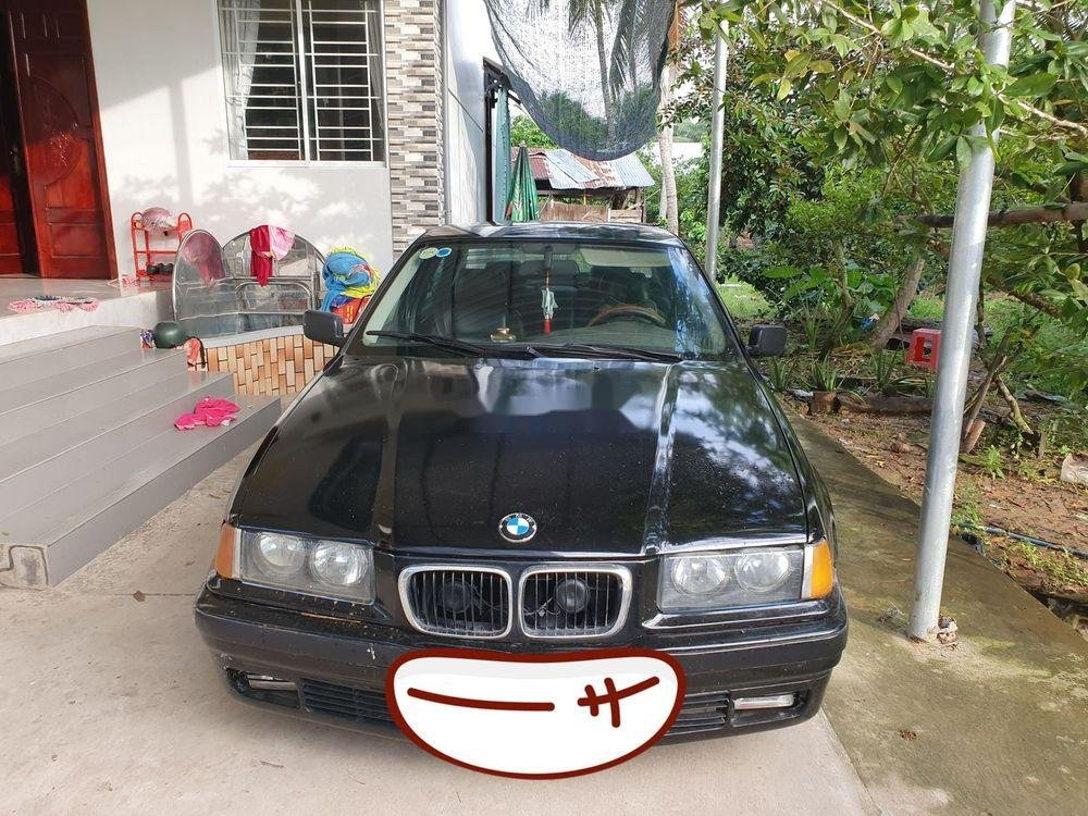 Bán ô tô BMW 320i sản xuất 2001, màu đen, xe nhập chính chủ (1)