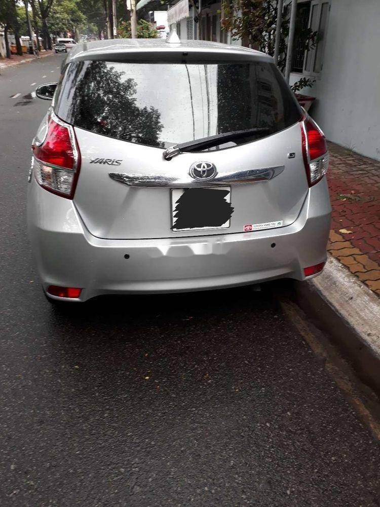 Bán ô tô Toyota Yaris sản xuất năm 2015, màu bạc, xe nhập chính hãng (2)