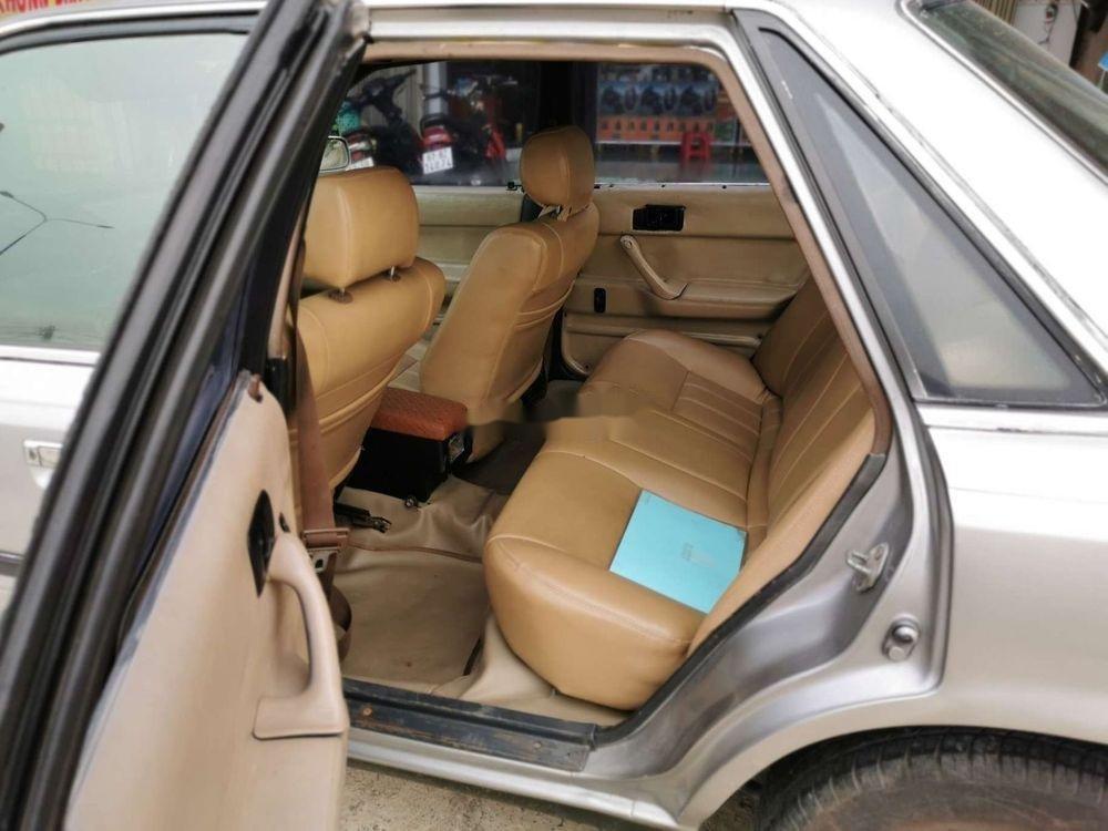 Cần bán xe Toyota Camry đời 1986, màu bạc, nhập khẩu, giá 45tr (10)