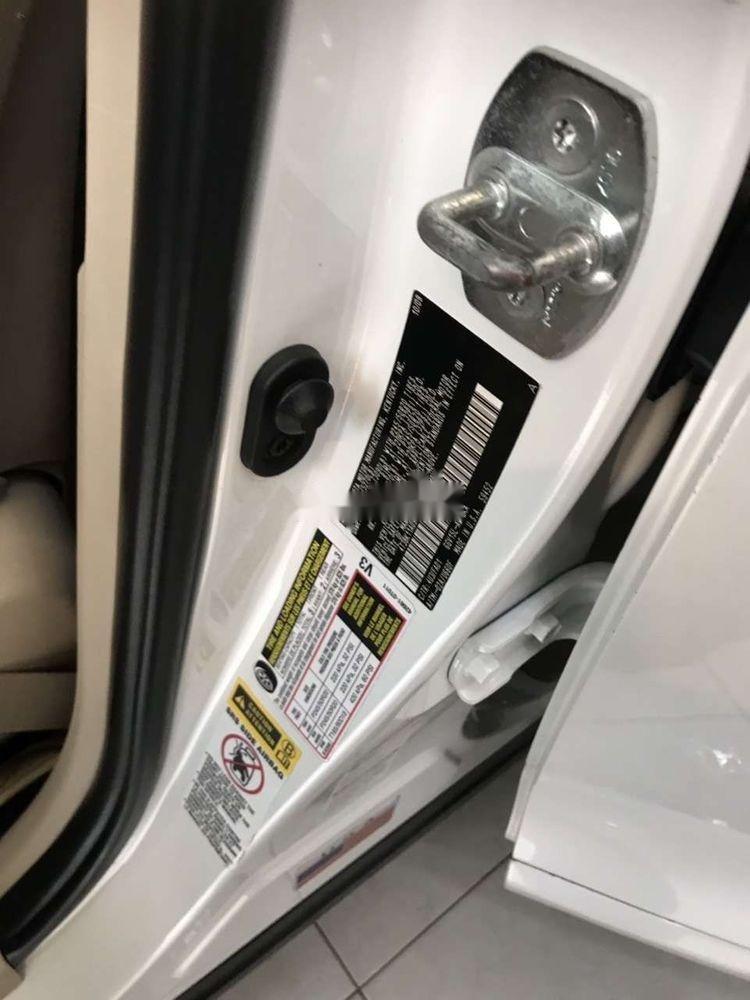 Cần bán lại Toyota Venza sản xuất năm 2009, màu trắng, nhập khẩu (2)