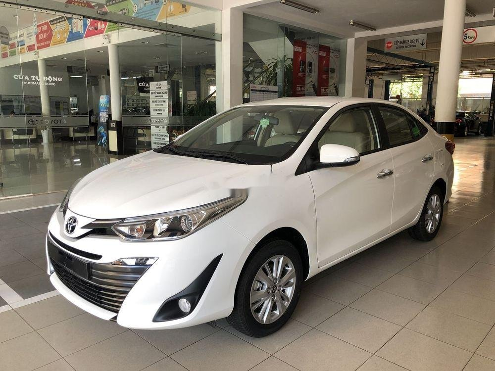 Cần bán xe Toyota Vios năm sản xuất 2019, màu trắng, giá tốt (2)