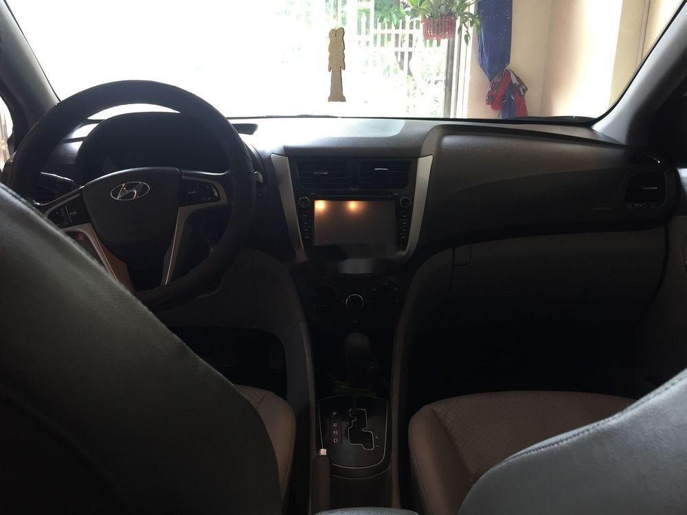 Cần bán xe Hyundai Accent đời 2015, xe nguyên bản (2)