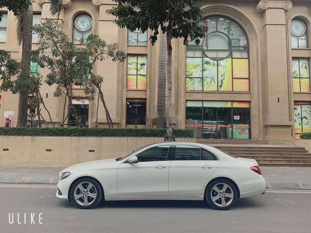 Bán ô tô Mercedes sản xuất năm 2019, xe còn mới (2)
