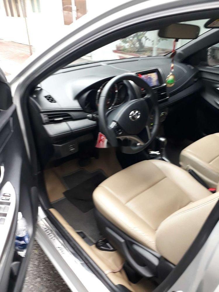 Bán ô tô Toyota Yaris sản xuất năm 2015, màu bạc, xe nhập chính hãng (5)