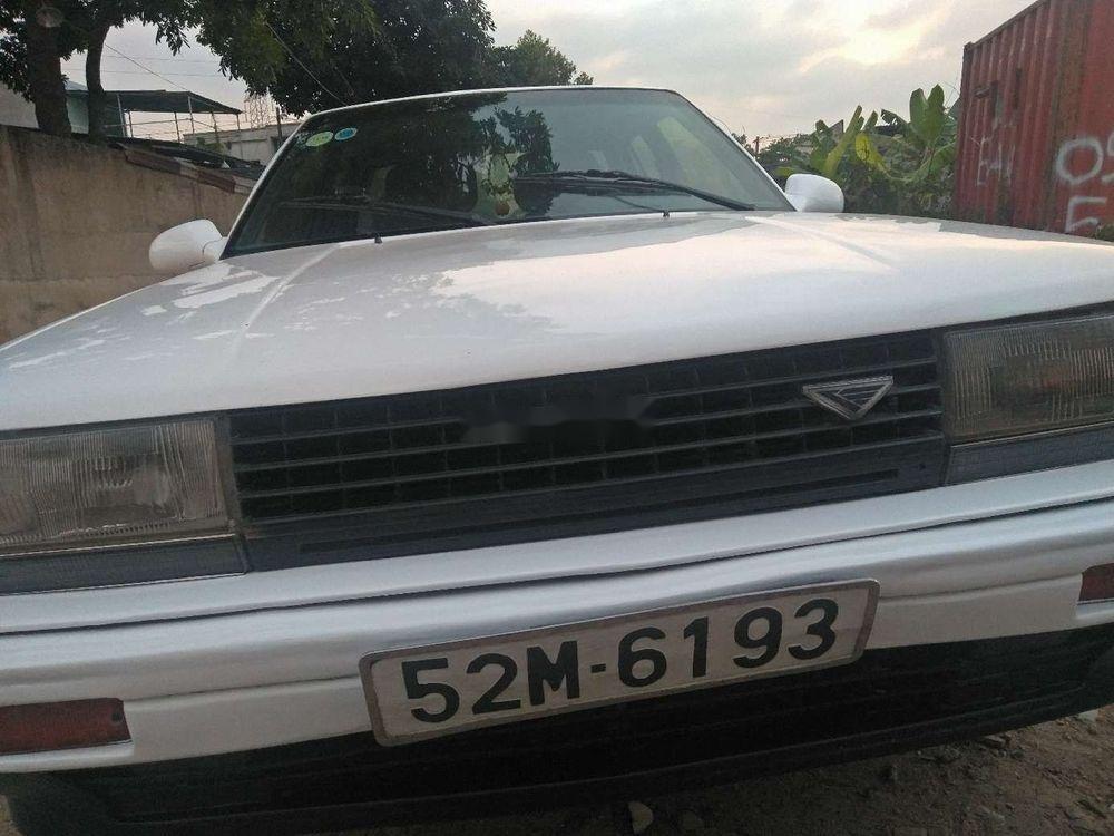 Bán xe Nissan Bluebird đời 1986, màu trắng, 32 triệu (2)