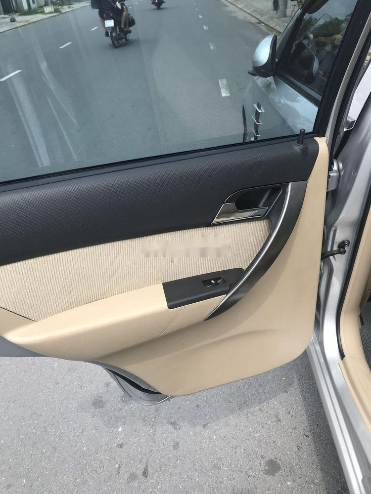 Cần bán Chevrolet Aveo năm 2017, màu bạc chính chủ, giá tốt, xe nguyên bản (6)