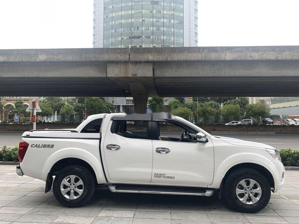 Bán Nissan Navara sản xuất 2016, màu trắng, nhập khẩu nguyên chiếc chính hãng (2)