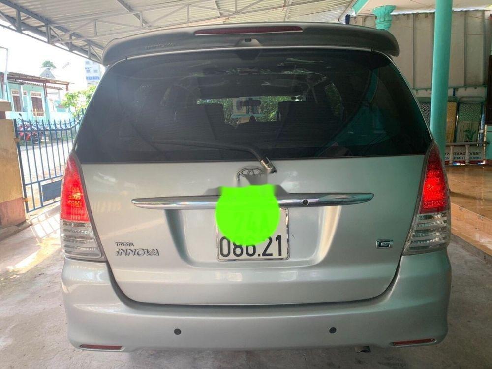 Bán Toyota Innova năm 2011, màu bạc, giá chỉ 390 triệu (2)