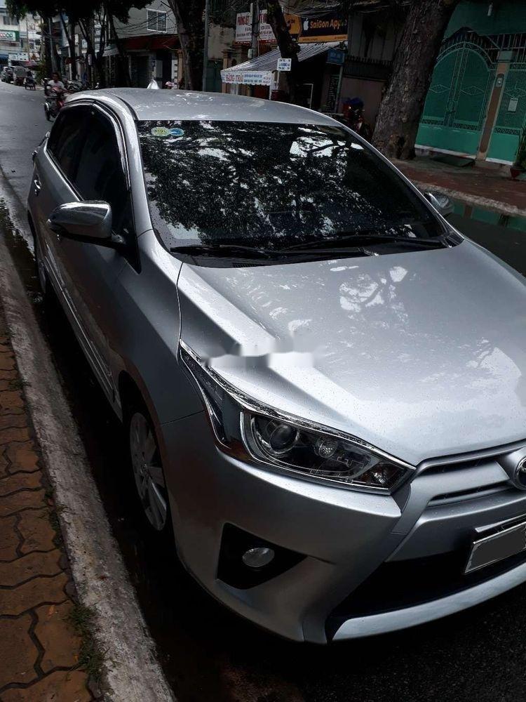 Bán ô tô Toyota Yaris sản xuất năm 2015, màu bạc, xe nhập chính hãng (3)
