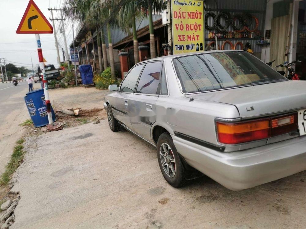 Cần bán xe Toyota Camry đời 1986, màu bạc, nhập khẩu, giá 45tr (4)