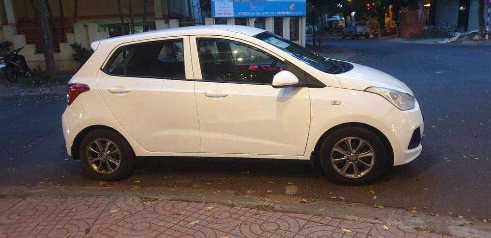 Bán Hyundai Grand i10 sản xuất 2015, màu trắng xe nguyên bản (2)