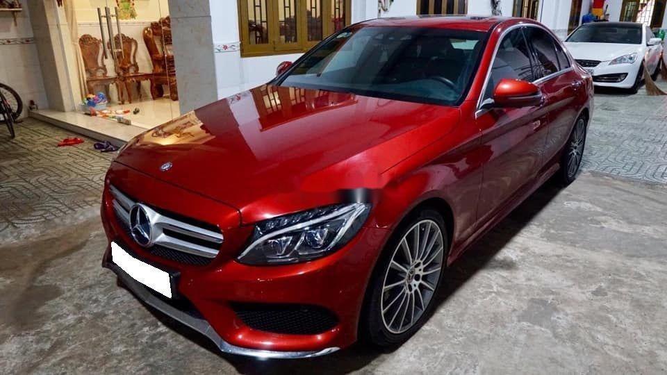 Bán Mercedes sản xuất 2018, màu đỏ còn mới, xe nguyên bản (6)