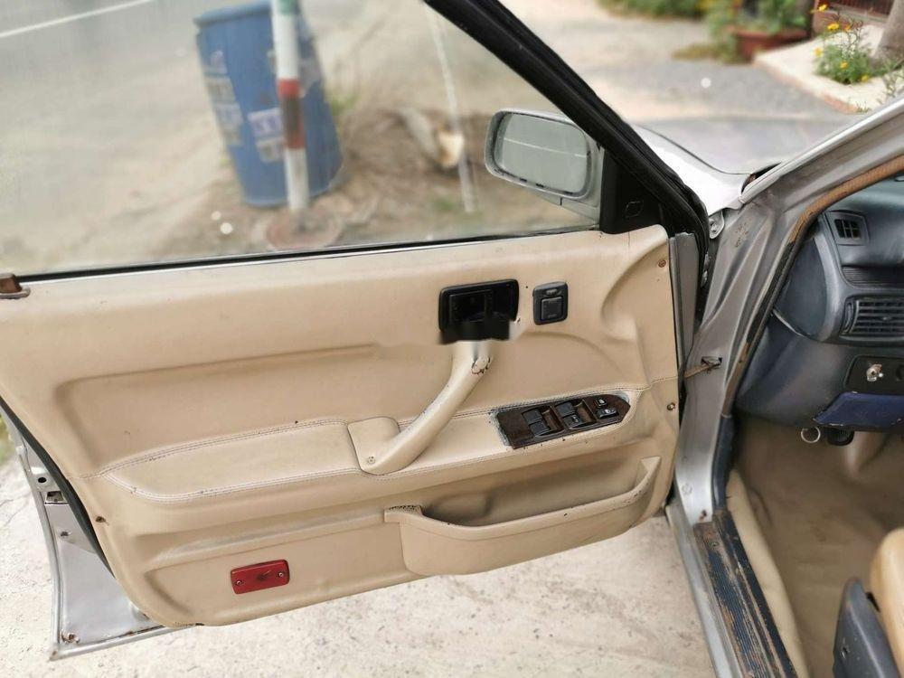 Cần bán xe Toyota Camry đời 1986, màu bạc, nhập khẩu, giá 45tr (5)