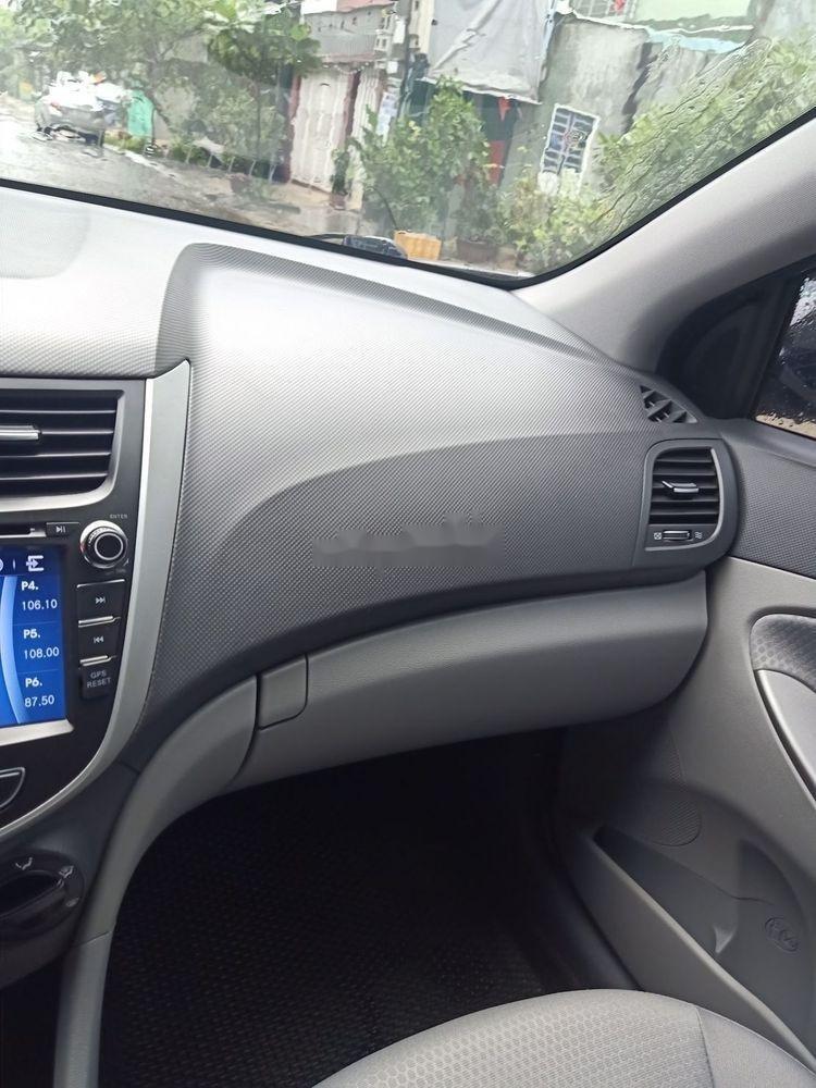 Cần bán Hyundai Accent đời 2015, màu bạc, nhập khẩu  (8)