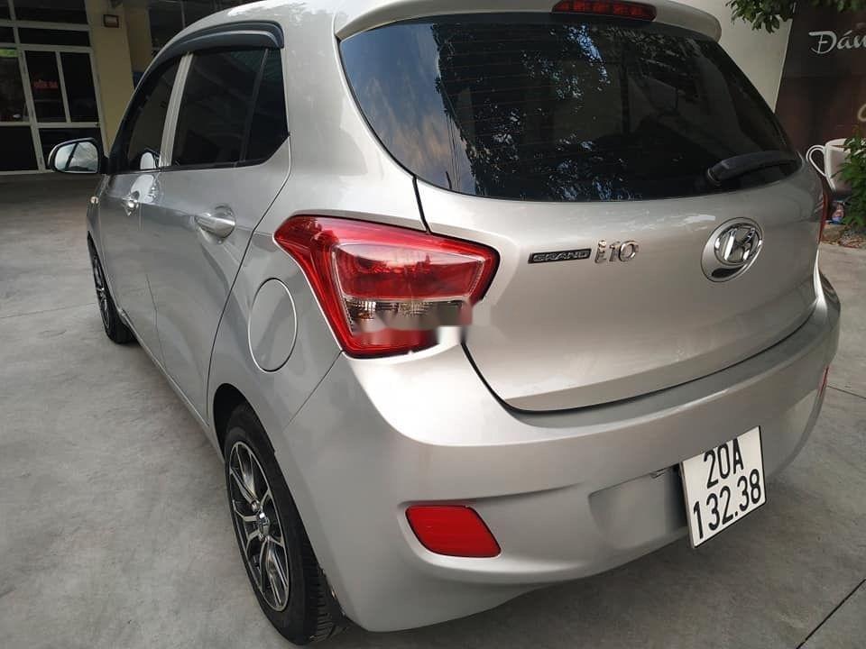 Cần bán Hyundai Grand i10 đời 2015, màu bạc, nhập khẩu nguyên chiếc (3)