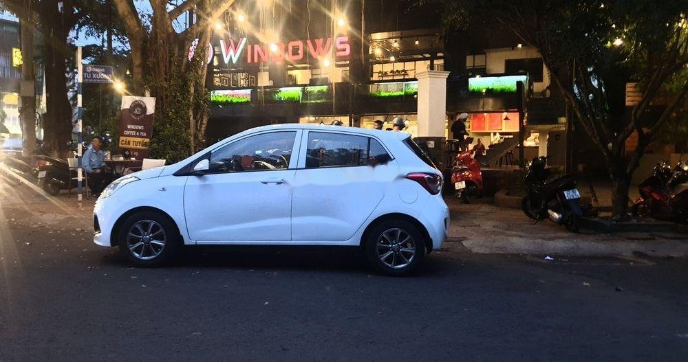 Bán Hyundai Grand i10 sản xuất 2015, màu trắng xe nguyên bản (1)