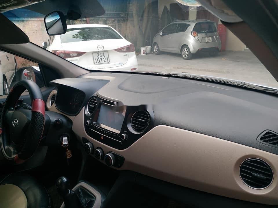 Cần bán Hyundai Grand i10 đời 2015, màu bạc, nhập khẩu nguyên chiếc (4)