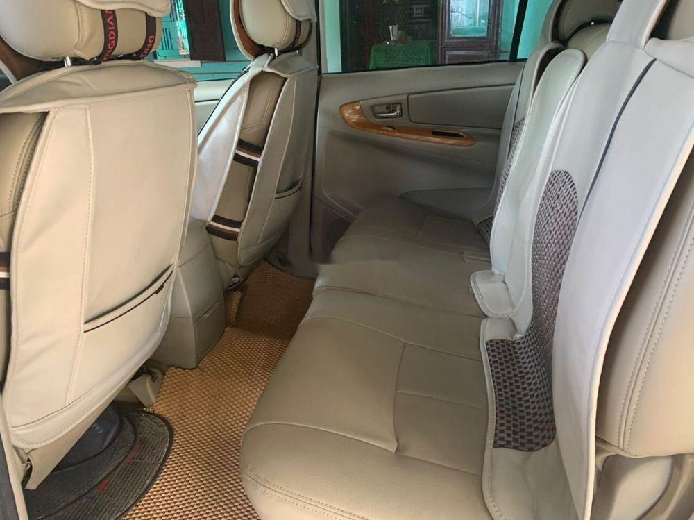Bán Toyota Innova năm 2011, màu bạc, giá chỉ 390 triệu (6)