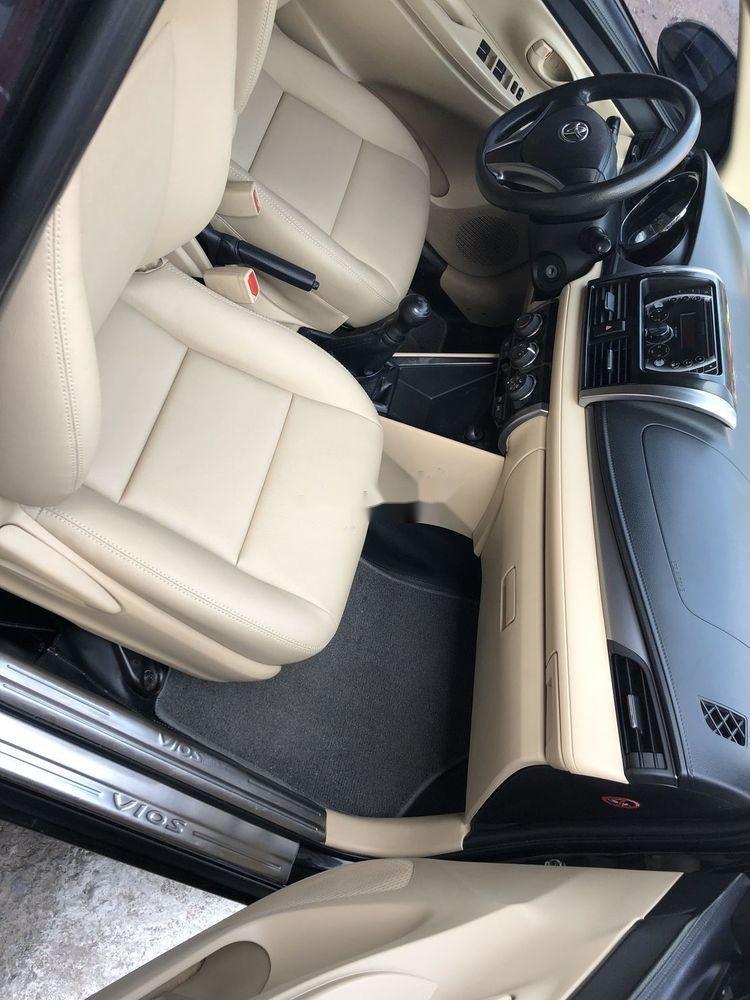 Bán Toyota Vios E năm sản xuất 2015, số sàn, giá tốt (3)