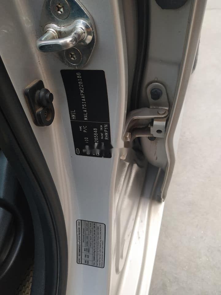 Cần bán Hyundai Grand i10 đời 2015, màu bạc, nhập khẩu nguyên chiếc (8)