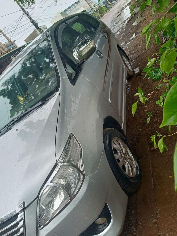 Cần bán gấp xe cũ Toyota Innova sản xuất 2006, màu bạc (1)