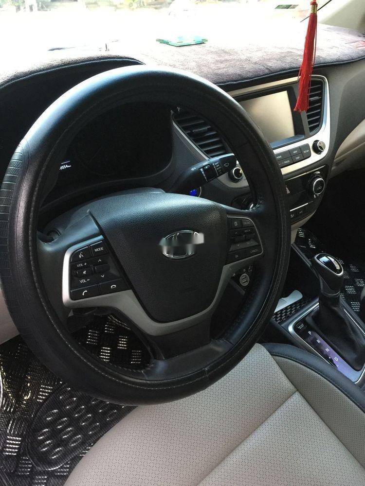Bán xe cũ Hyundai Accent sản xuất năm 2018, xe gia đình (5)