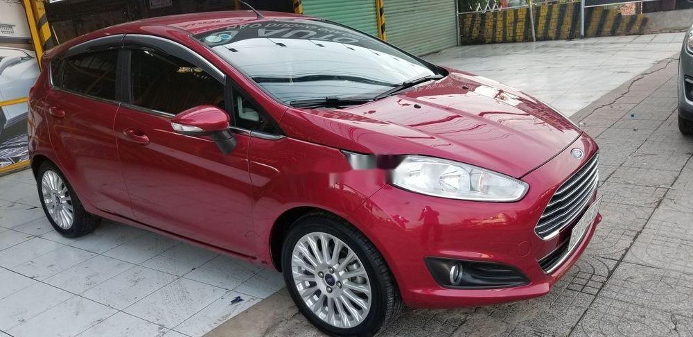 Cần bán gấp Ford Fiesta 2018, màu đỏ xe gia đình, xe nguyên bản (1)