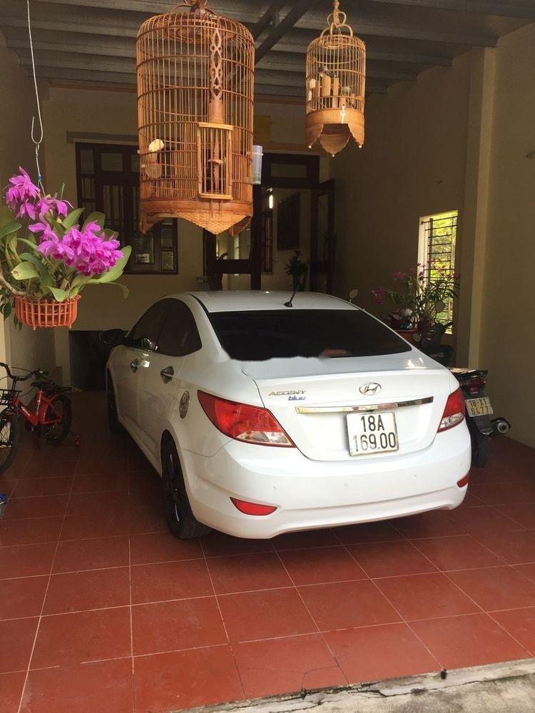 Cần bán xe Hyundai Accent đời 2015, xe nguyên bản (3)