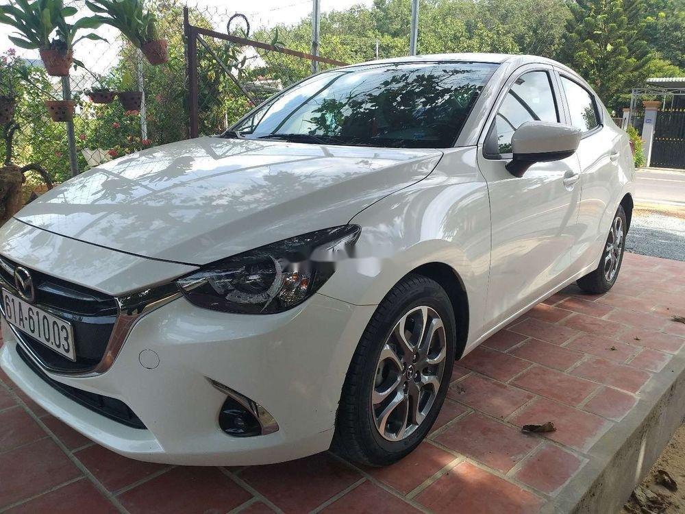 Cần bán lại xe Mazda 2 đời 2018, màu trắng, xe nhập chính hãng (1)
