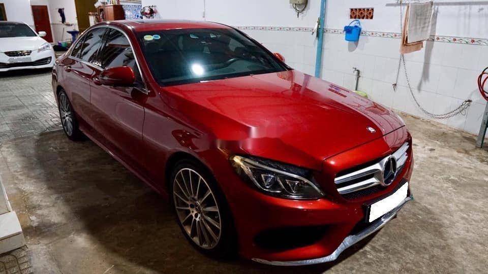 Bán Mercedes sản xuất 2018, màu đỏ còn mới, xe nguyên bản (3)